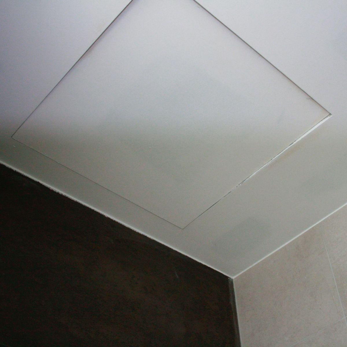 Trampilla para registrar en el techo de pladur