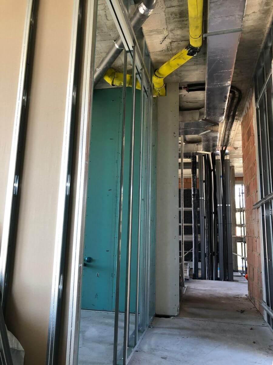 Ocultar instalaciones en techos de Pladur